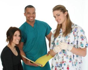 parler avec le personnel médical